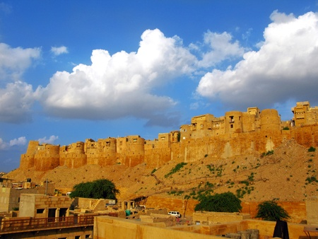 rajput: Medieval walls of Jaisalmer, the magnificent Golden City in the heart of Rajasthan (India), surrounded by the desert of Thar Stock Photo
