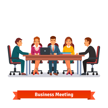 negociacion: Consejeros reuni�n de negocios. Las personas en sillas en el gran escritorio hablando, lluvia de ideas o de la negociaci�n. Ilustraci�n vectorial de estilo plano aislado en fondo blanco.