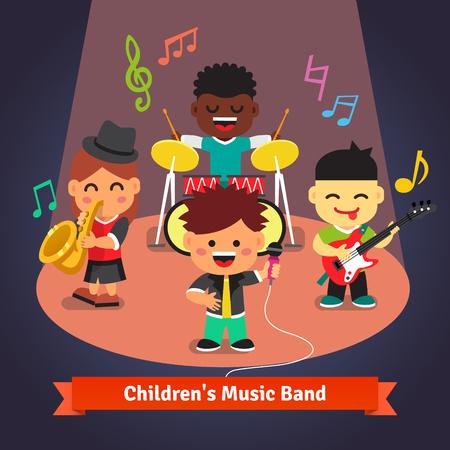 niño cantando: Reproducción de música Niños banda y cantar a la luz centro de atención en el escenario. Personajes Solista, batería, saxo y guitarrista. Ilustración de dibujos animados de vectores plana.