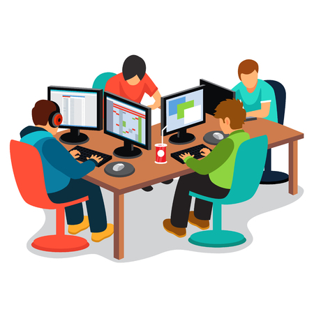 computadora caricatura: compañía de TI en el trabajo. Grupo de desarrolladores de software de codificación de las personas juntos sentados delante de sus pantallas de PC en el escritorio. ilustración vectorial de estilo plano aislado en el fondo blanco.