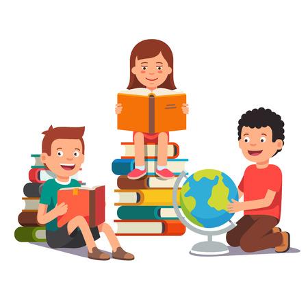 juntos: Grupo de niños que estudian y aprenden juntos. Los muchachos y una niña de leer libros y hacer la tarea. ilustración vectorial de estilo plano aislado en el fondo blanco.