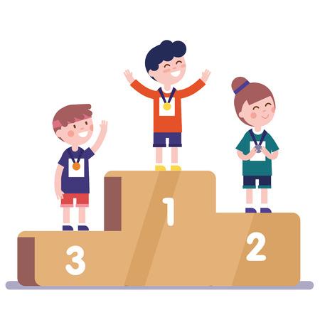 Medaillewinnaarskinderen die zich op het podium van de concurrentiewinnaar bevinden met eerste, tweede en derde plaatsmedailles.