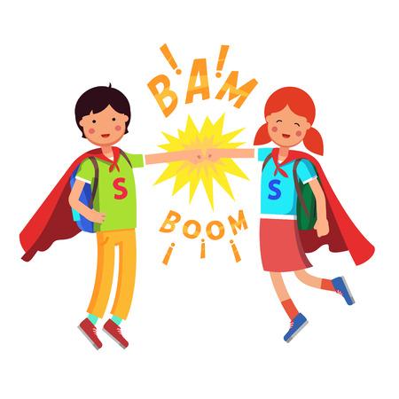 Heroes Super scholieren kinderen maken vuist hobbel. Jongen en meisje vliegen met hun capes en vol rugzakken. Vlakke stijl moderne vector illustratie op een witte achtergrond. Stock Illustratie