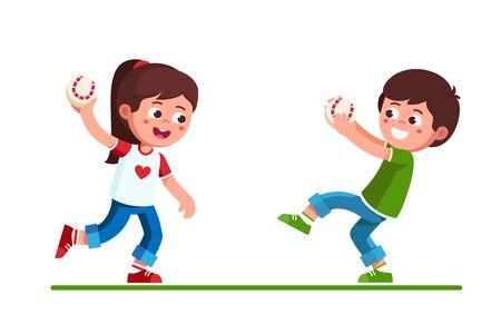 Niño y niña en edad preescolar jugando con juego de béisbol