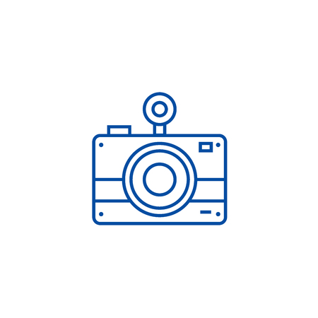 Photo camera line concept icon. Photo camera flat  vector website sign, outline symbol, illustration. Ilustracja