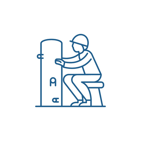 Foreman line concept icon. Foreman flat  vector website sign, outline symbol, illustration.