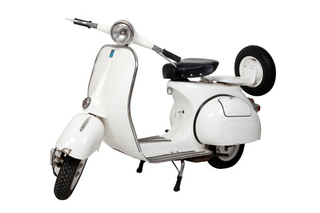 ciclos: Vieja motocicleta blanca sobre fondo blanco