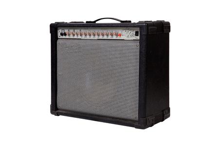 superdirecta: Amplificador de guitarra en el fondo blanco