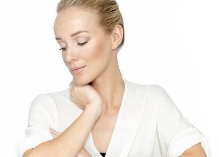 mujer elegante: Mujer elegante Natural sobre fondo blanco. Foto de archivo