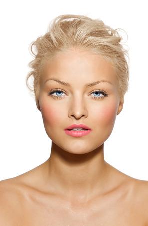 Modèle tanné avec rouge à lèvres rose. Banque d'images - 38078886