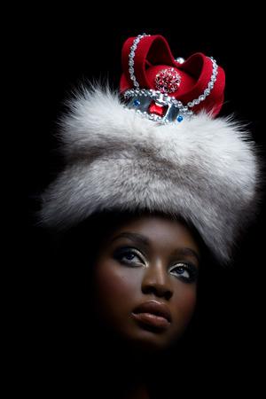 Dark model with royal look. Standard-Bild