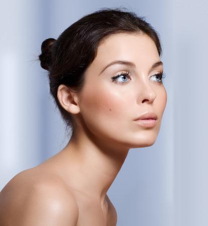 dark eyes: Closeup of a young beautiful woman.