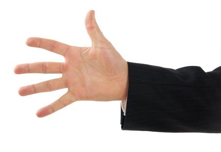 manos abiertas: Hombre primer mano que muestra el n�mero cinco con los dedos. Foto de archivo