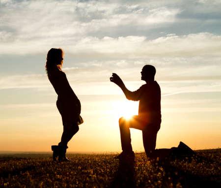 verlobung: Sunset Heiratsantrag