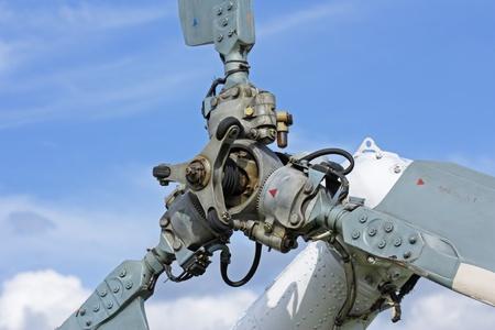青空を背景とヘリコプターのラダー プロペラ 写真素材