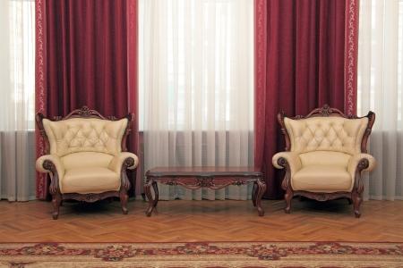 アンティーク家具の素敵な部屋のフラグメント