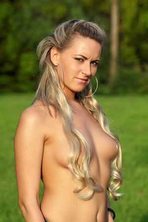 topless-pics-of-young-girls-bueatiful-naked-women