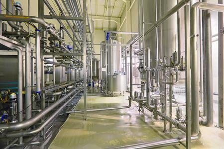 production Brewing - filtrage du département, l'intérieur de la brasserie, personne