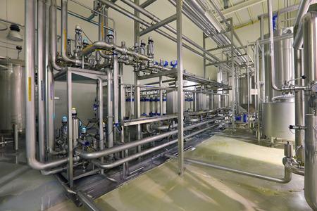 Brouwen productie - afdeling filtering, het interieur van de brouwerij, niemand Stockfoto