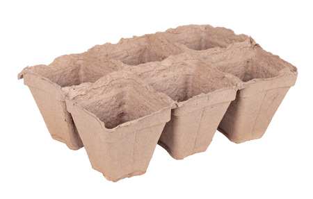 peaty: Peat pots for growing seedlings, isolated on white background