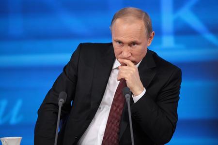 MOSCOU - 19 décembre: conférence de presse annuelle, Vladimir Poutine, le 19 Décembre 2013, à Centre du commerce international, Moscou, Russie