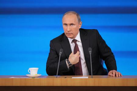 모스크바, 러시아 -2009 년 12 월 19 일 : 러시아 연방 대통령 블라디미르 블라디미미필프 푸틴 연례 기자 회견 센터 국제 무역