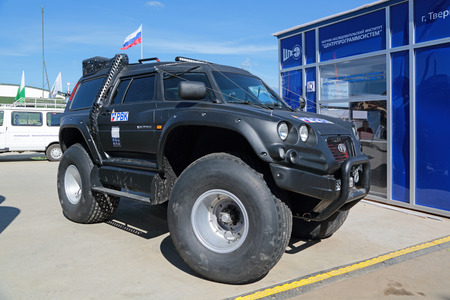 impulse: KUBINKA, MOSCOW OBLAST, RUSSIA - JUN 18, 2015: International military-technical forum ARMY-2015 in military-Patriotic park. VIKING - 29031 is a amphibious off-road vehicle production company Aton Impulse