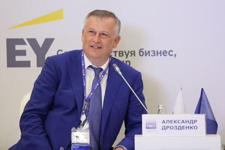 governor: SAINT-PETERSBURG, RUSSIA - JUN 17, 2016: St. Petersburg International Economic Forum SPIEF-2016. Alexander Drozdenko - Governor Leningrad region