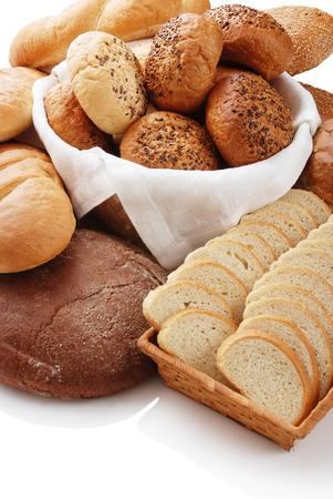 canasta de panes: varios tipos de pan Foto de archivo