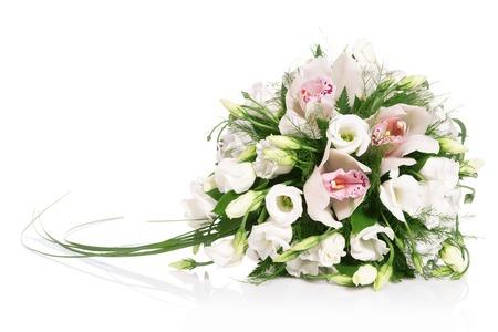 Boeket bloemen op wit wordt geïsoleerd  Stockfoto