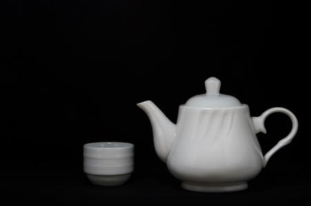 Weiße Teekanne