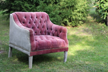 chesterfield: Pink armchair in chesterfield style