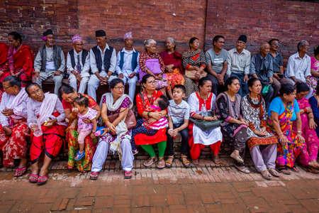 Kathmandu,Nepal - August 16,2019: Nepali People enjoying leisure time in Patan Durbar Square,Kathmandu. Standard-Bild - 148374669
