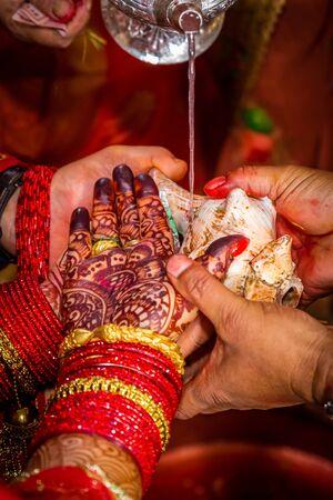 Details of Hindu marriage wedding ceremony.Hindu wedding Rituals Standard-Bild - 148388800