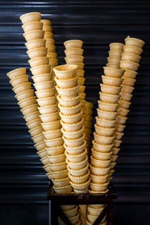 Empty Stacked Ice Cream Cones, Ice Cream Cones kept for display Standard-Bild - 149122441