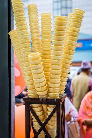 Empty Stacked Ice Cream Cones, Ice Cream Cones kept for display Standard-Bild - 149121946