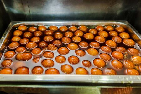 Fresh Indian sweets mithai from India prepared with milk,sugar and other ingredents. Gulab Jamun Indian Sweet Dish Standard-Bild - 149614799