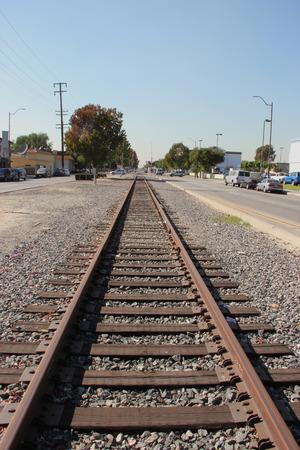 Voie ferrée qui traverse la zone urbaine de Los Angeles, Californie Banque d'images - 32941606