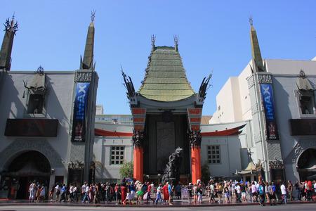 Los Angeles, Kalifornien, USA - 19. Mai 2014: TCL Chinese Theater, einem berühmten Kino auf dem historischen Hollywood Walk of Fame am Hollywood Boulevard, Los Angeles, Kalifornien