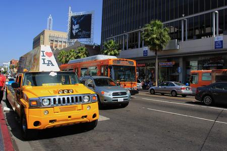 Los Angeles, Kalifornien, USA - 19. Mai 2014: Hollywood Boulevard, einer der Top-Destinationen in Los Angeles, Kalifornien, gesäumt von vielen Hollywood-Attraktionen