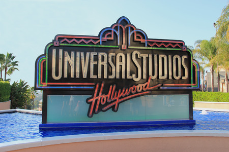 로스 앤젤레스, 캘리포니아, 미국 - 2014년 10월 10일는 : 유니버설 스튜디오 할리우드, LA의 엔터테인먼트 자본은 전 세계에 걸쳐 유니버셜 스튜디오 테마
