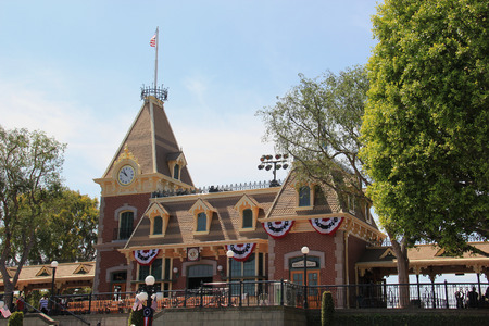 see the usa: Anaheim, California, USA - May 30, 2014: Main Street, U.S.A., the first area guests see when they enter Disneyland Park, is created from Walt Disney Editorial