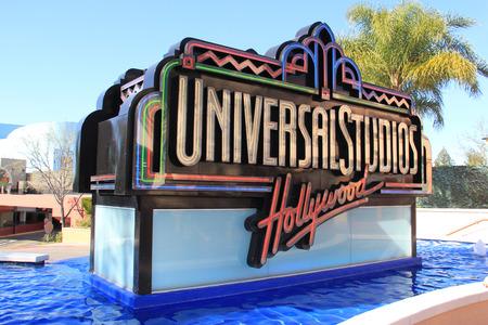 로스 앤젤레스, 캘리포니아, 미국 - 2015 년 3 월 12 일 : 유니버설 스튜디오 헐리우드, LA의 엔터테인먼트 캐피탈은 전 세계 유니버설 스튜디오 테마 파크