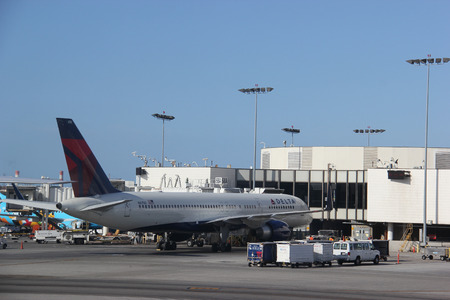 california delta: Los Angeles, California, USA - April 6, 2015: Delta Air Lines is a major American airline with its headquarters and largest hub in Atlanta, Georgia. It serves an extensive domestic and international network in 64 countries.