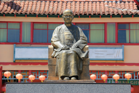 yat sen: Los Angeles, California, USA - August 14, 2015: Statue of Dr. Sun Yat-Sen, one of the greatest figures in Chinas long history, at New Chinatown, blend of Chinese and American architecture - a tourists attraction in downtown Los Angeles.