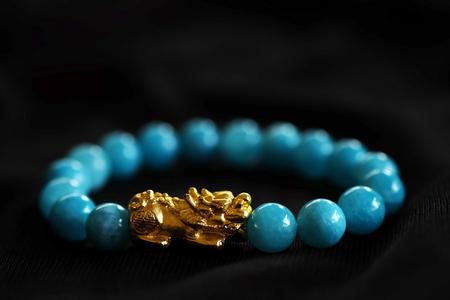 Gold PiXiu, Amulett im chinesischen Stil für gesunde und wohlhabende, Unisex-Accessoires, indem Sie ein Armband herstellen oder auf dem Arbeitstisch und im Büro dekorieren, haben Sie Platz zum Schreiben von Worten