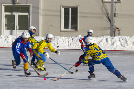 bandy: RUSSIA, OBUKHOVO - JANUARY 10, 2015: 2-nd stage childrens hockey League bandy, Russia. Editorial