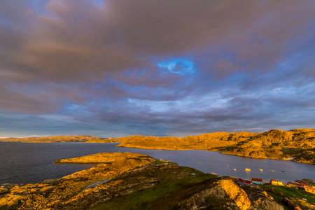 Beautiful arctic summer landscape on Barents sea Standard-Bild