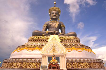Buddha Maha thamracha 84 years to honor his Majesty tribute is a Buddha image cast metal body with gold luangborisut in the province of phetchabun to become Chairman as enshrined. Saraburi road-Muang, phetchabun province Stock Photo