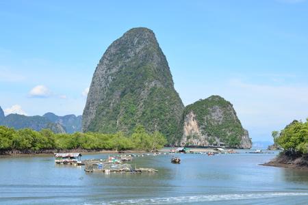 Cage fish farming in Phang Nga Bay 스톡 콘텐츠
